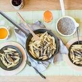 Τηγάνια σιδήρου από τη Riess Κατάλληλα και για φουρνοWww.Cookworld.grΜπορούν να χρησιμοποιηθούν σε υψηλές θερμοκρασίες, σε όλες τις πηγές θερμότηταςΤα σκεύη σιδήρου είναι πολύ δημοφιλή στους μάγειρες τόσο για τη ρουστικ εμφάνιση τους, όσο και για τις εξαιρετικές τους ιδιότητες στο τηγάνισμα... .#riess #castiron #cookworldgr #ecostoreAthens #ecocookware